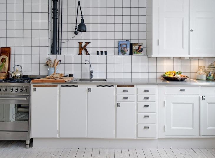 Cocina con azulejos blancos me encantan decoraci n chic - Fotos de azulejos de cocina ...
